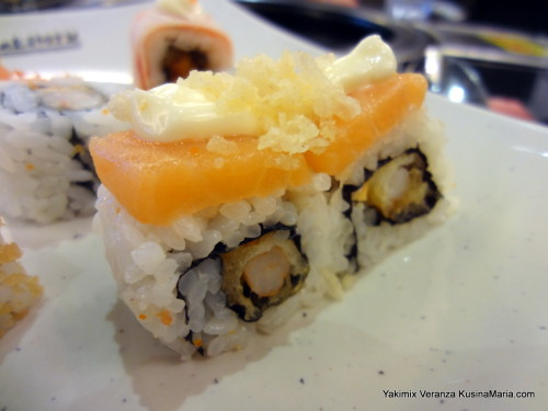 Salmon Maki at Yakimix Veranza