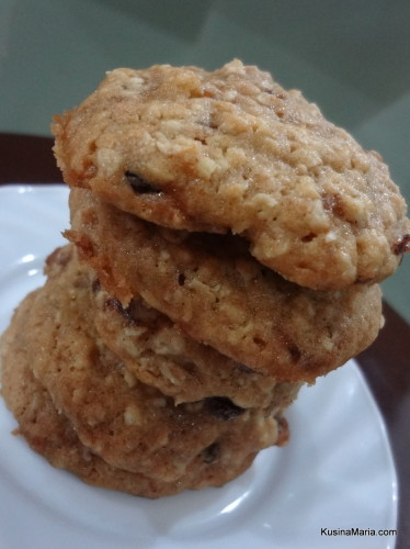 Soft Bake Oatmeal Cookies with Walnuts by Kusina Maria